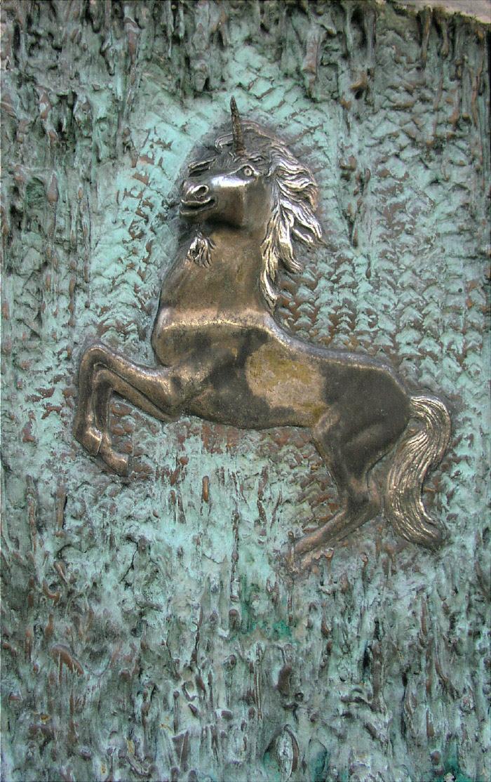 Reliefeinhorn aus Bronze - verkäuflich