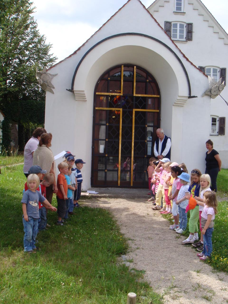 Käfergruppe Siegenburg besucht die Erlöserkapelle