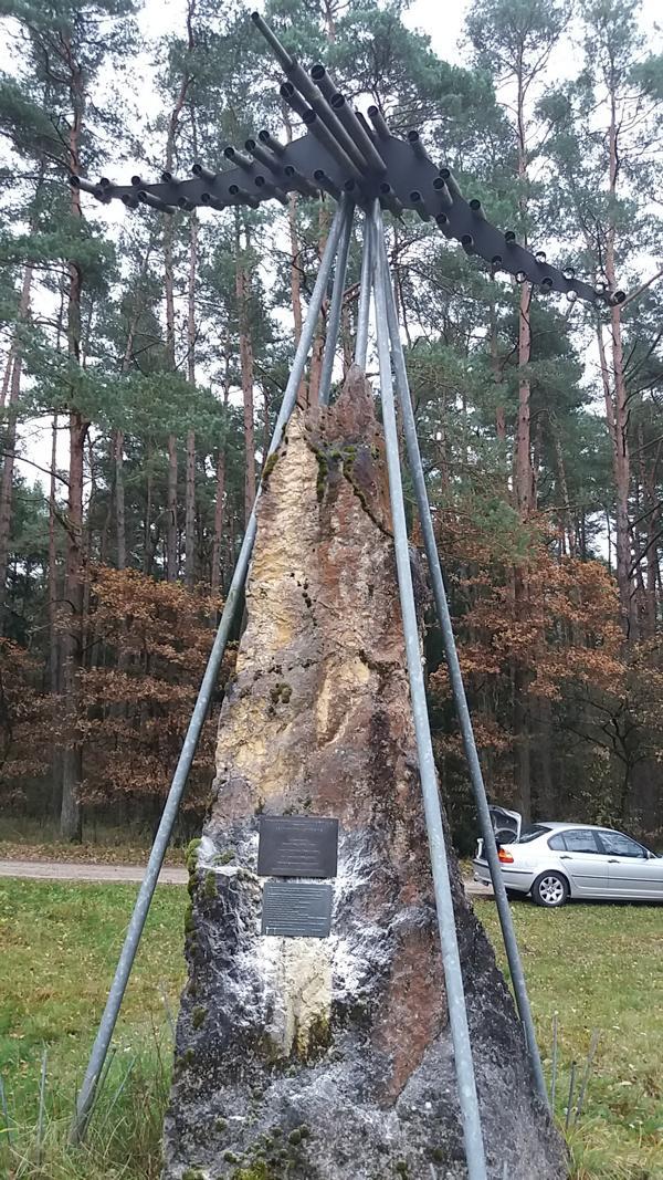 Mahnmal beim Bombodrom in Siegenburg 2107